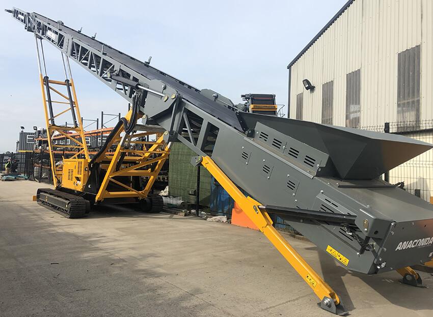 TR100 Tracked 100 ft Conveyor